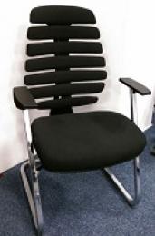 jednací židle FISH BONES MEETING černý plast, černá  látka 26-60, sleva č. SEK1066